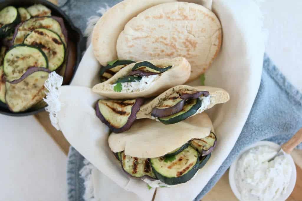 Pita met feta spread en gegrilde groente