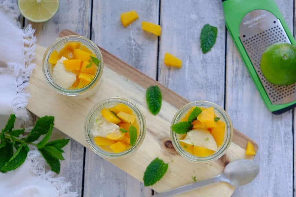 Kokos limoen panna cotta. Zo kun je lekker genieten van een lactosevrij dessert.