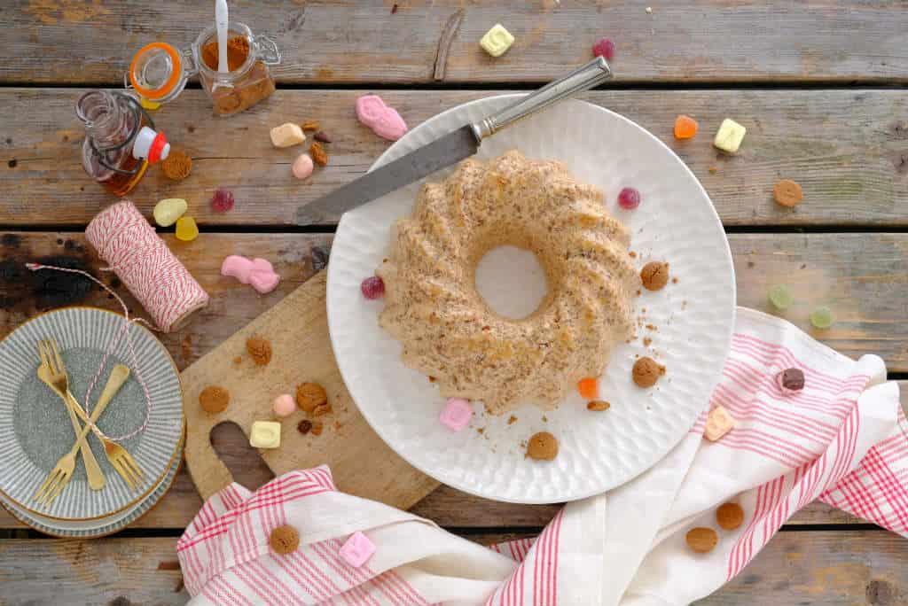 Kruidnoten pudding is een makkelijk Sinterklaas recept, dat je geheel van te voren kunt bereiden.