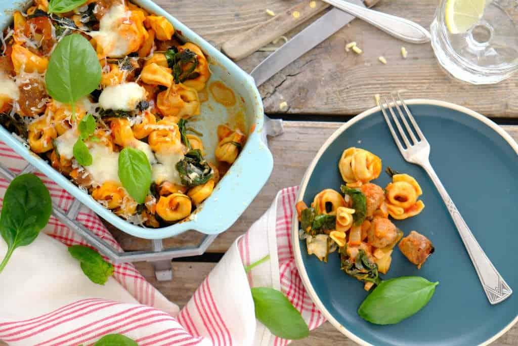 Tortellini uit de oven. Dit is een makkelijke ovenschotel met pasta.
