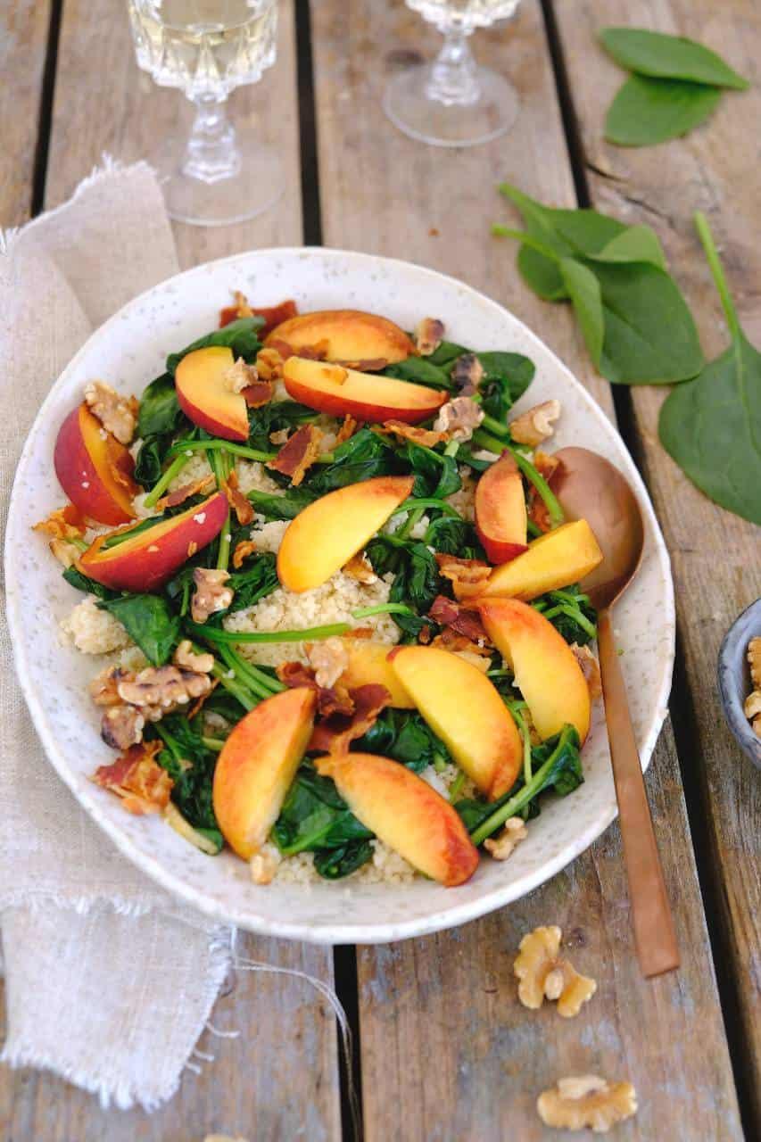 Spinazie salade met nectarine