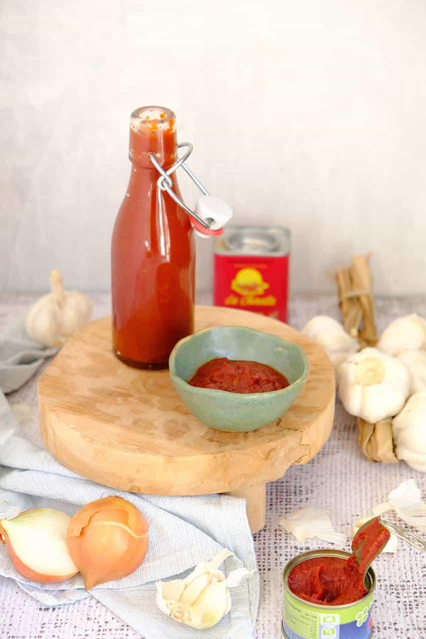 Zelf een saus voor bij de barbecue maken, wie lust dit nu niet? Maak eens deze makkelijke barbecuesaus.