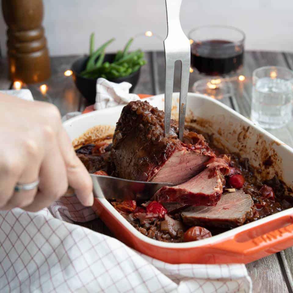Rosbief met rode wijn saus