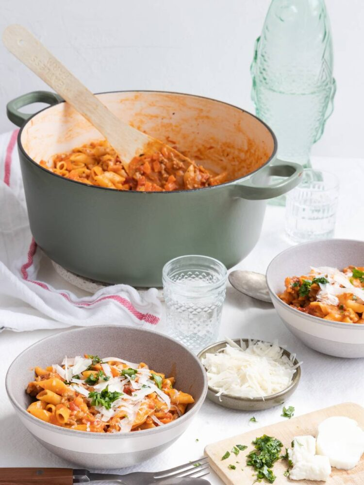 Pasta bolognese in 1 pan
